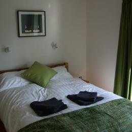 Bed Double Aug17 (1024x768)