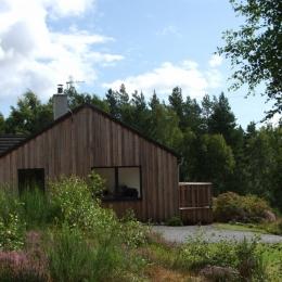 Cottage Side 02